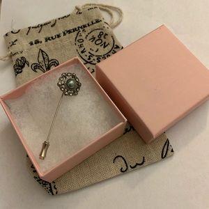Vintage brooch pin silver rhinestones